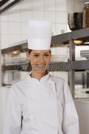 cozinheiro chefe femea que esta na