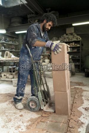 pessoas povo homem homens trabalho artesao