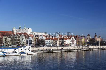casa construcao cidade polonia rio agua