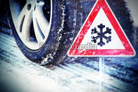 pneus de inverno com sinal de
