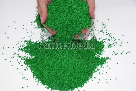 teste de granulos plasticos no laboratorio