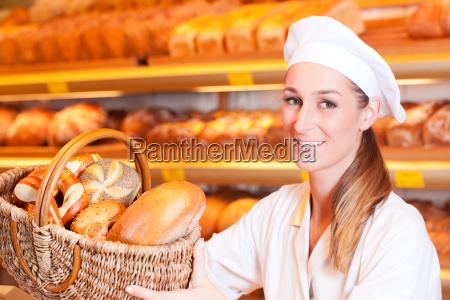 baker em sua padaria