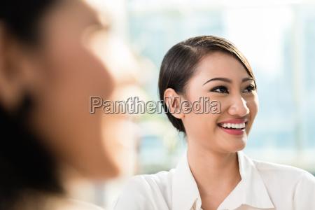 mulher pessoas povo homem mulheres moderno