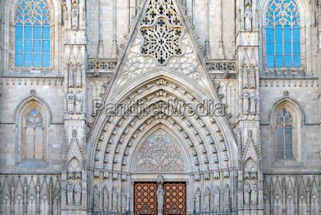 igreja catedral portao canteiro entrada fachada