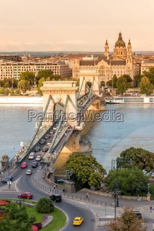 ponte chain em budapest hungria