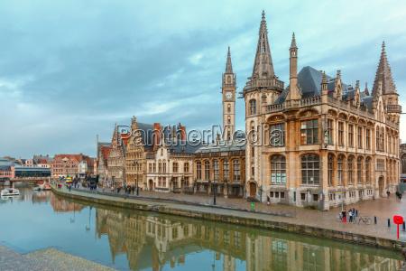 passeio viajar cidade europa belgica medieval