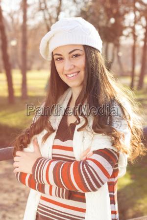 mulher feminino inverno retrato ao ar