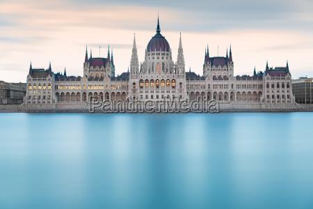 edificio hungarian do parlamento antes do