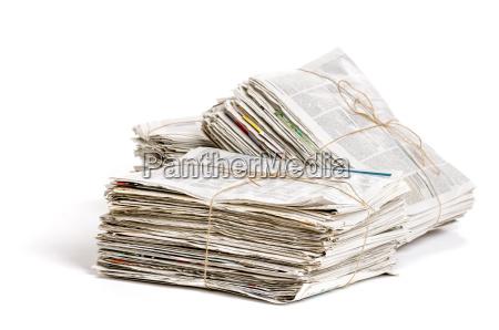 diversos pacotes do jornal