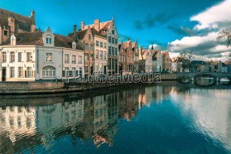 cidade europa belgica benelux medieval urbano