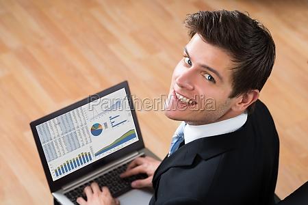pessoas povo homem escritorio caderno computadores