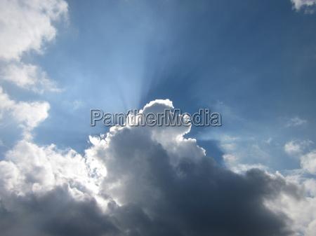 o ceu e azul e do