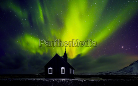 luz do norte bonita sobre a
