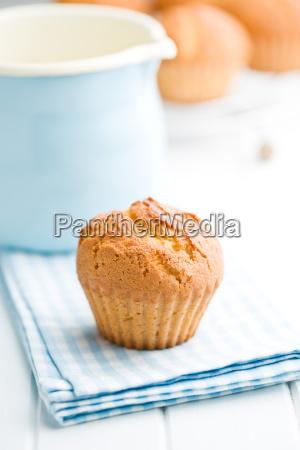 queques doces na tabela de cozinha