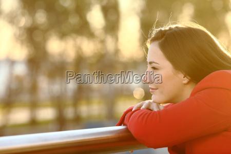 mulher alma pensar pensamentos meditacao esperanca