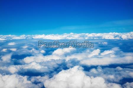 sobre, as, nuvens - 16334259