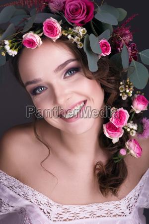 risadinha sorrisos belo agradavel flor flores