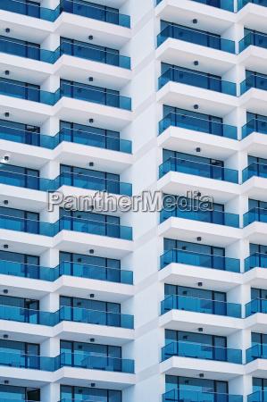 fachada do edificio do elevado crescimento