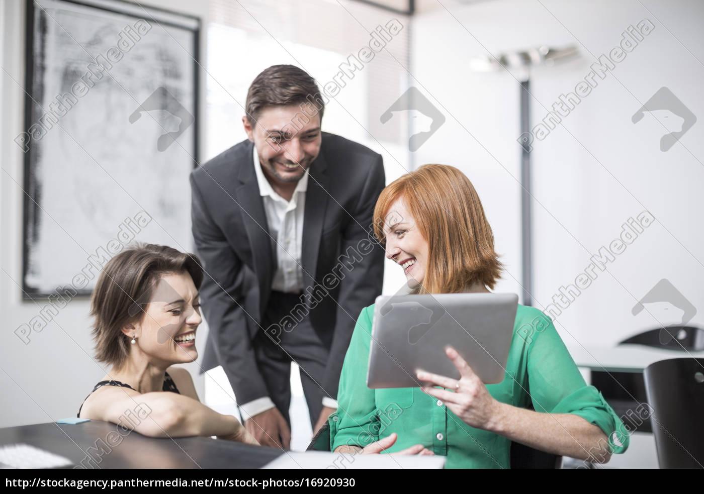 mulher, de, negócios, que, mostra, a - 16920930