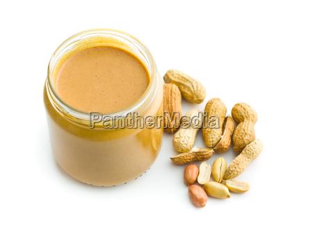 manteiga de amendoim cremosa e amendoim