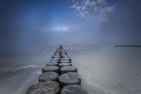 buoying no mar baltico e agua