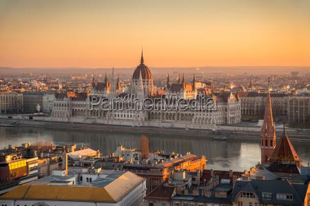 torre cidade reichstag parlamento budapeste danubio