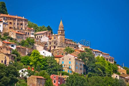 cidade da arquitetura mediterranea velha de