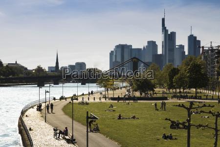 alemanha hesse frankfurt pessoas rio principal