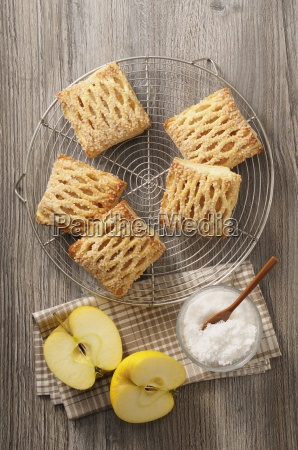 apple pastries with sugar