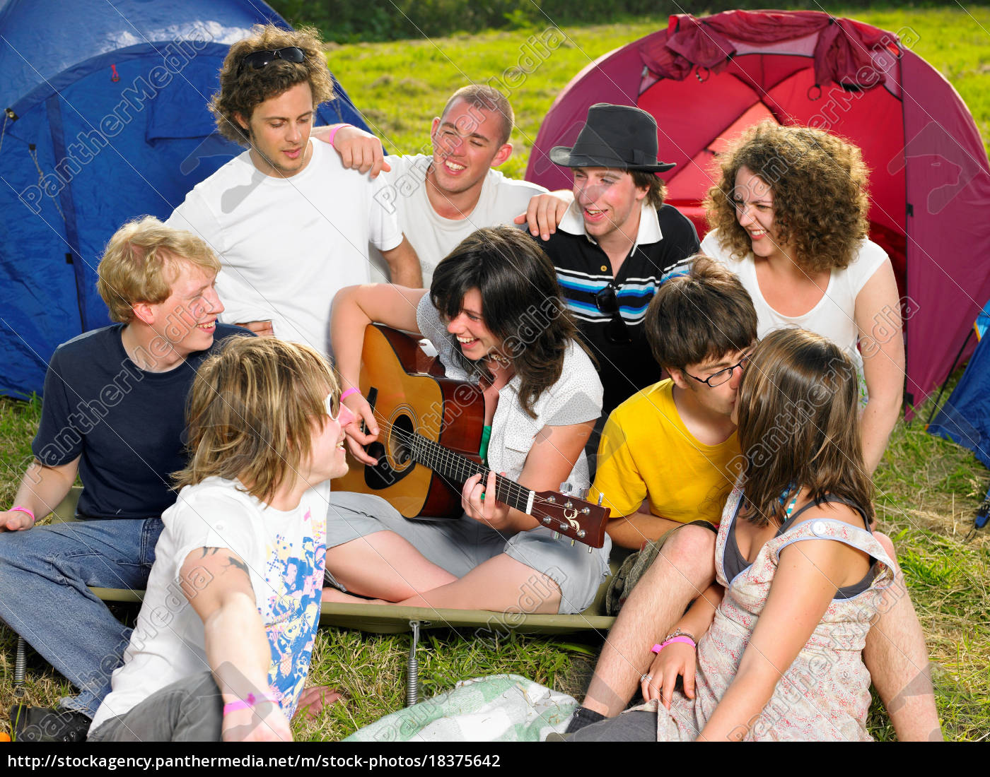 group, outside, tent - 18375642