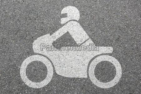 motocicleta que monta o trafego de