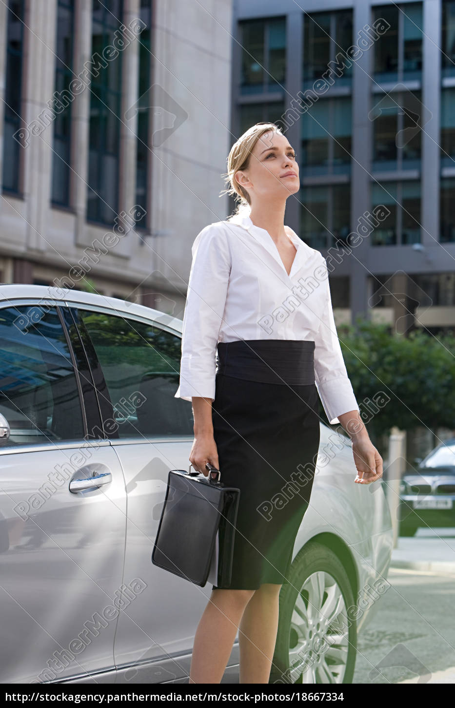businesswoman, standing, by, car - 18667334