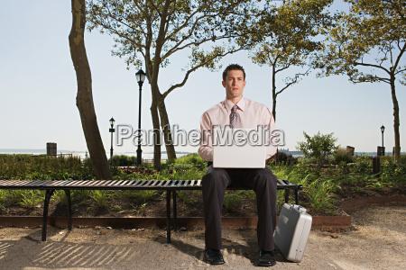 arvore parque masculino pasta ao ar