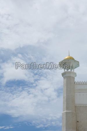 detail of sultan omar ali saifuddin