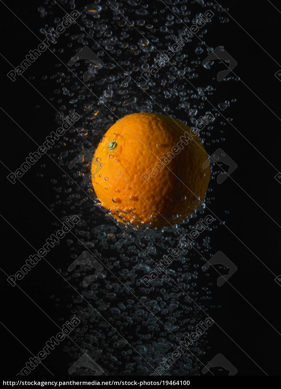 laranja, em, bolhas, fundo, preto - 19464100
