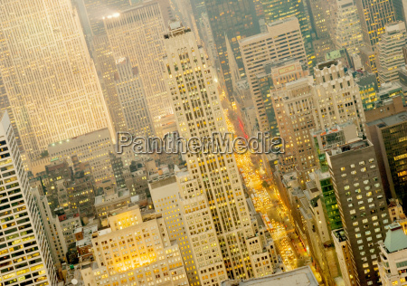 view looking up 5th avenue from