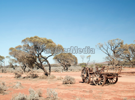 abandoned wagon in the gawler ranges
