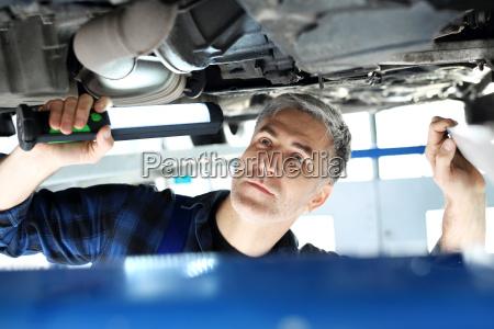 servico reparacao mecanico mecanica oficina engenheiro