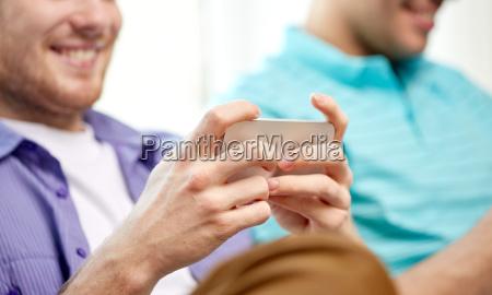 cara telefone pessoas povo homem risadinha