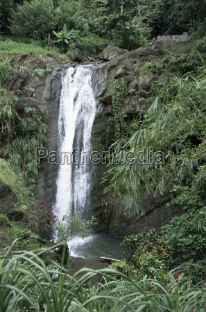 passeio viajar cor cachoeira ao ar
