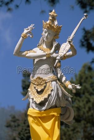 candi ceto templo hindu com elementos