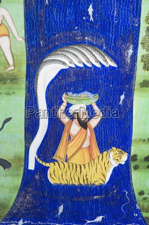 schoene moghul fresken an den waenden
