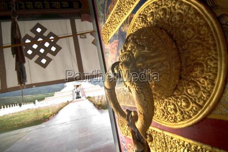 buddhist temple door ganzi garze sichuan