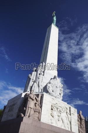 passeio viajar arquitetonicamente monumento estatua escultura