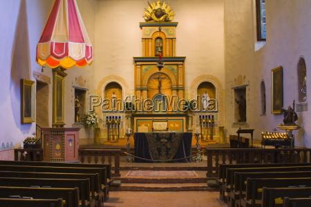 passeio viajar religiao igreja altar interior