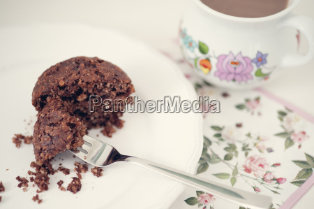 bolinhos vegan com chocolate e nozes