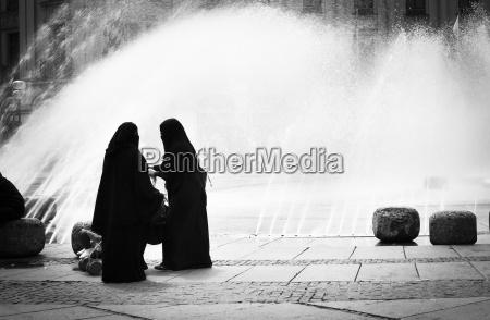 alemanha baviera munique duas mulheres arabes