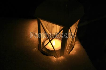 alemanha luz de velas com neve