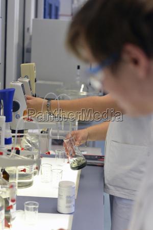 trabalho liquido industria ciencia local de
