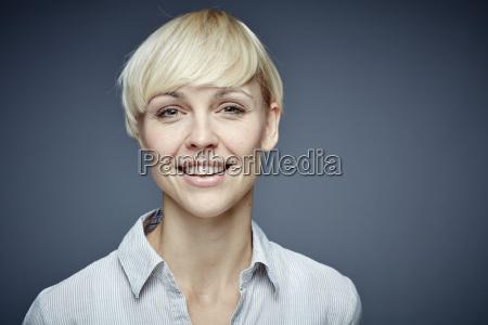 risadinha sorrisos retrato vista frontal retrato